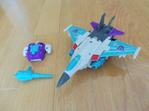 Transformers Power of the Primes Dreadwind Deluxe Class Wave 1