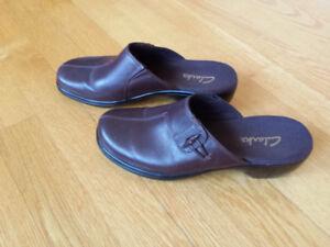 Women's Clark's brown slip-in shoes