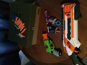 4 nerf guns for sale, with bullets. Kitchener / Waterloo Kitchener Area image 1