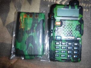 Radio uhf/vhf scanneur Baofeng Uv-5r (Camo)