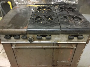 Commercial stove ,working