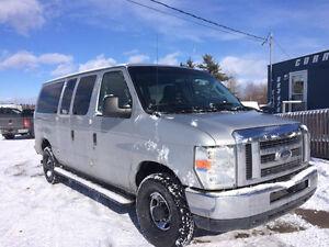 2010 Ford Other XLT Minivan, Van