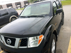 2007 Nissan pathfinder SE  for sale.