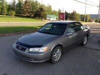 2000 Toyota Camry XLE  1900 $ !