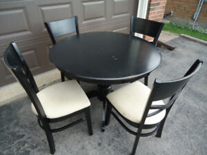 KITCHEN TABLE WITH 4 CHAIRS - CAN DELIVER