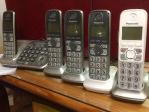Digital Cordless Telephone, Answering System and 5 Handset