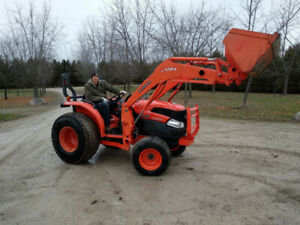 ***Kubota L3240 HST 4x4*** only 185 hours total since new