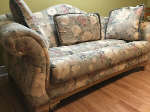 Victorian Style Sofa/Couch Set