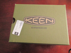 brand new Keen toddler boys sandals size 8