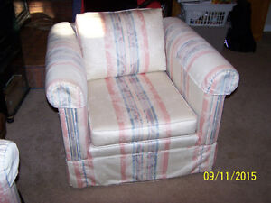 L. ROOM CHAIR