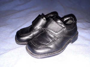 Toddler Boys Footwear Black Dress Shoes Sizes 5.5, EUC
