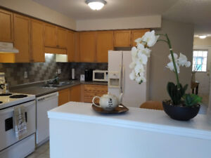 NEWLY UPGRADED TOWN HOME PERFECT FOR COUPLES AND FAMILIES