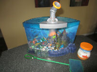 REDUCED! COOL FISH TANK WITH VIEW FINDER