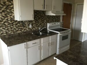 East - renovated 2 bedroom with balcony and free wifi