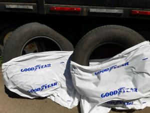 Truck Tires Goodyear Wrangler  p 265/70 r17