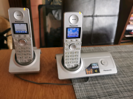 PANASONIC KX-TG8100ES DECT CORDLESS PHONE with charging Dock base