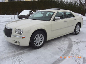 2010 Chrysler 300 limited,cuir,toit,mags,VISA,MASTER