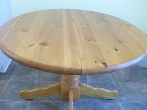 Kitchen or Dining Table and 4 chairs MOVING SALE _ HURRY!