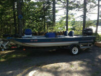 17 foot Mirrorcraft aluminum boat 50 hp with tilt and trim