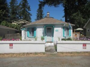 Quite possibly the CUTEST COTTAGE at CULTUS LAKE!!!!