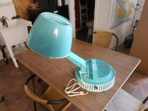 1968 model lady schick counter top hair dryer (works)