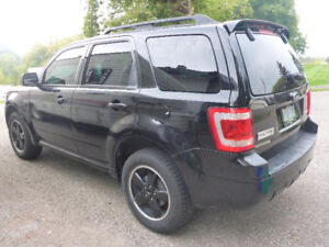2009 Ford Escape XLT 3.0L 6V (4X4)