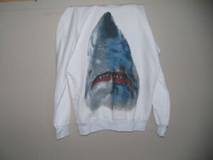 chandail coton requin neuf