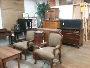 Furniture, liveedge, antiques, collectibles plus 1000 booths