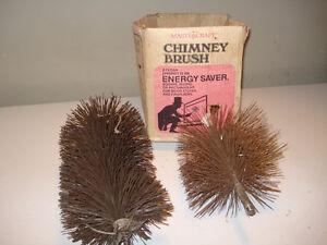 BROSSES(2) POUR NETTOYER CHEMINÉE $5 CHACUNE