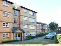 2 bedroom flat in Stubbs Drive, South Bermondsey SE16