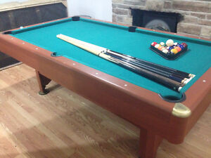 ****POOL TABLE & ACCESSORIES