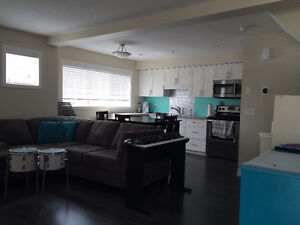 Room in Harbour Landing in New Townhouse - Available March 29