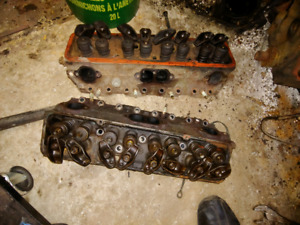 Small block Chevy heads casting 462624 2.02 1.60 valves