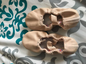 Girls ballet shoes. Size 12