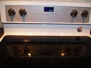 FOR SALE:  WHIRLPOOL ELECTRIC RANGE