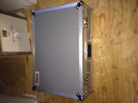 Pedaltran 2 fx board with hardshell case and iso 5 power supply!