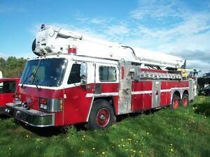 1989 SIMON-DUPLEX  AERIAL LADDER FIRE TRUCK