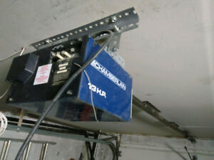 GARAGE DOOR OPENER WORKS A1