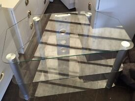 Small glass to stand van deliver
