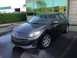 2012 Mazda Mazda3 GX Hatchback - under 37500 KM!!!