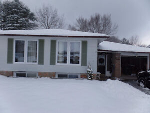 Midland Large 3 Bedroom – Upper Level  - Utilities Included