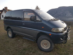 1994 Mitsubishi Delica Exceed with 2'' lift