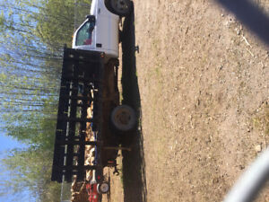 Ford F-450 V-8 powerstroke with dump box
