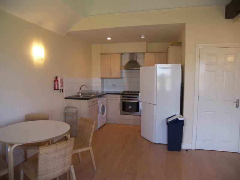 3 Bedroom flat for rent in Gants Hill