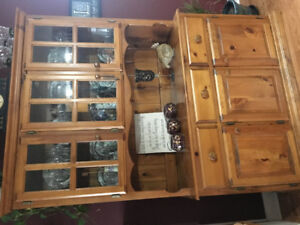 SOLID PINE buffet/hutch/table