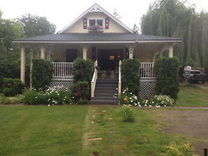 Beautiful home,1/2 acre,32x40 detached shop,Fruitvale b.c.
