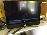 LoweTelevision with Stand, Rotates, Individual 26S Excellent Condition