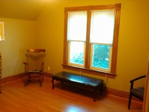 1 bedroom + den upper level apartment for rent May 1st  2017