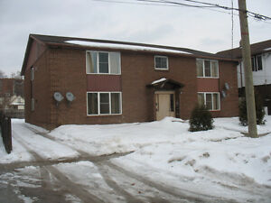 U of W students special .Clean and quiet 2 bedroom aprt