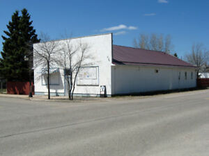 Commercial Building w/Suites in Cranberry Portage